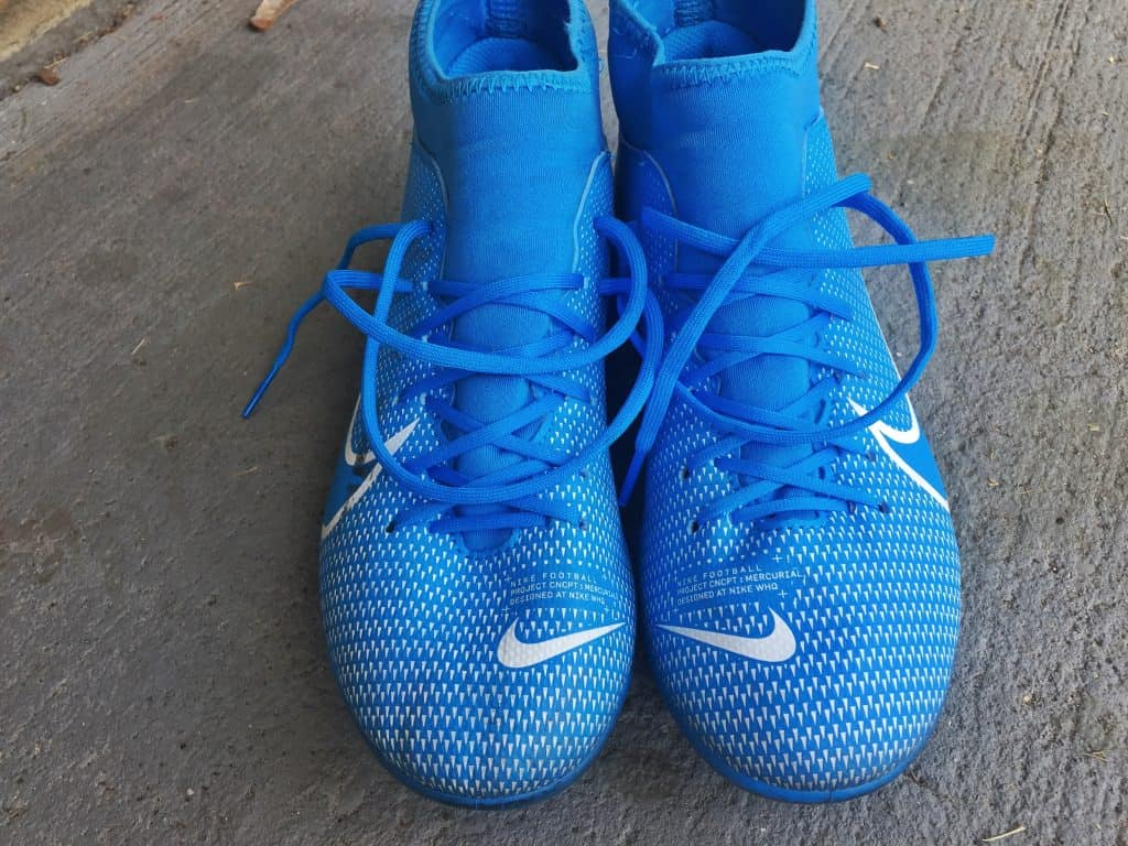 The breathable lining and insole of the Nike soccer cleats allows for comforable wear