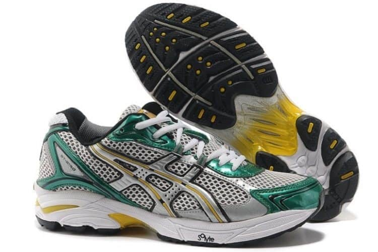Mizuno volleyball shoe and sole