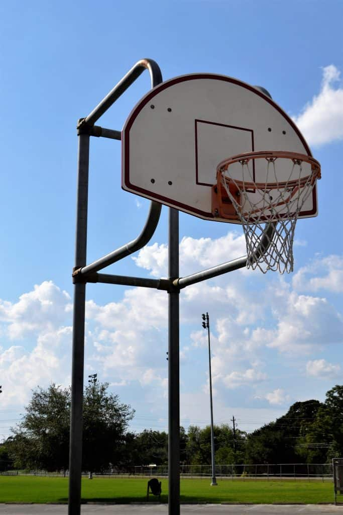 An in-ground basketball hoop