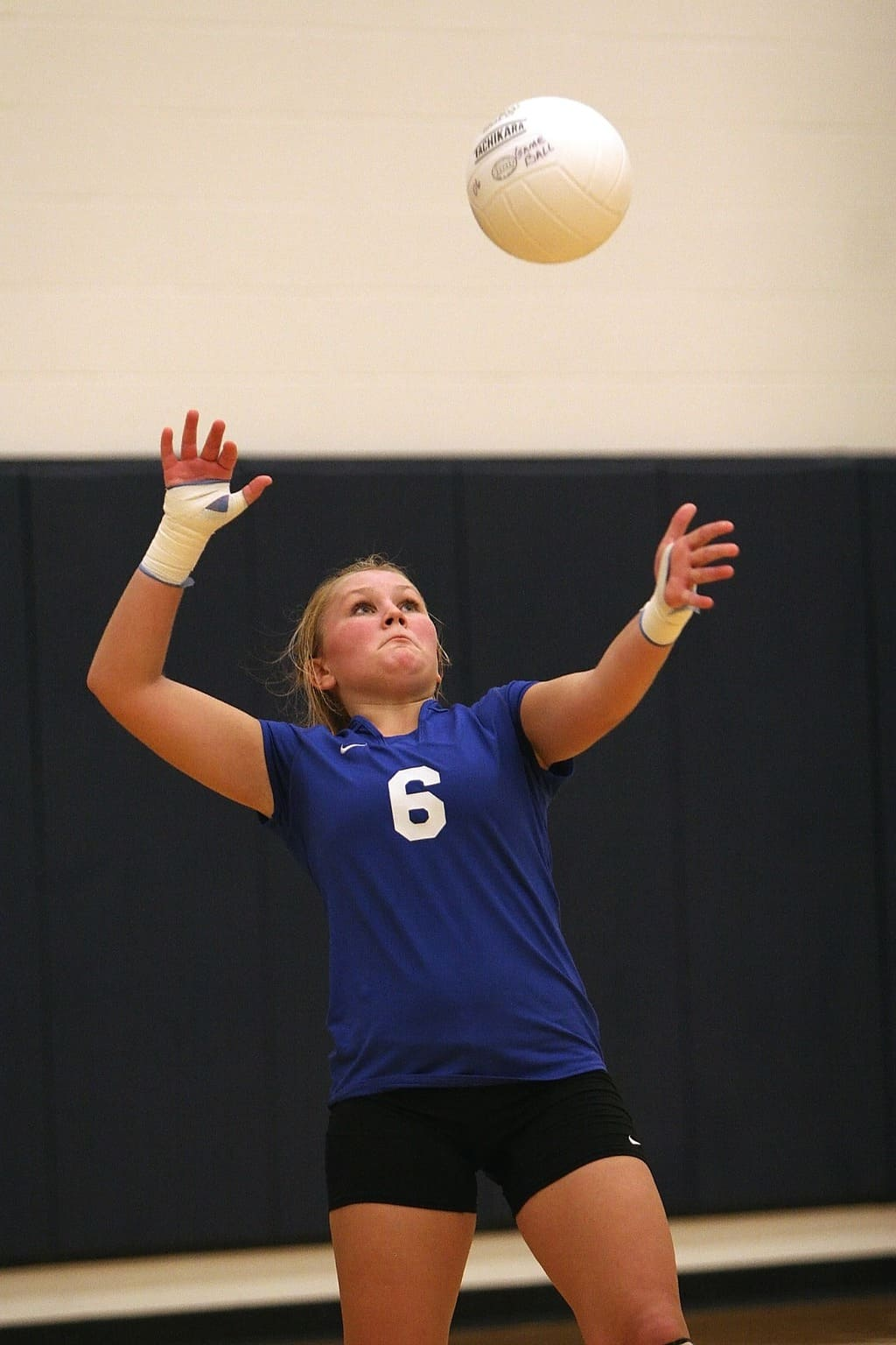 Volleyball player doing a serve